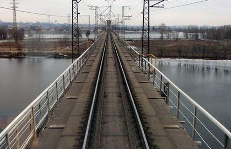 Вінничани вкрали міст та повезли на металобрухт