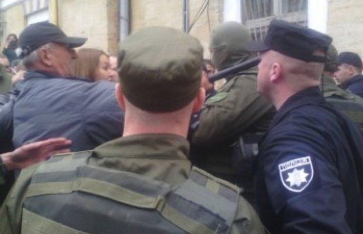 День визволення: У центрі Одеси сталася бійка між прибічниками окупантів і патріотами