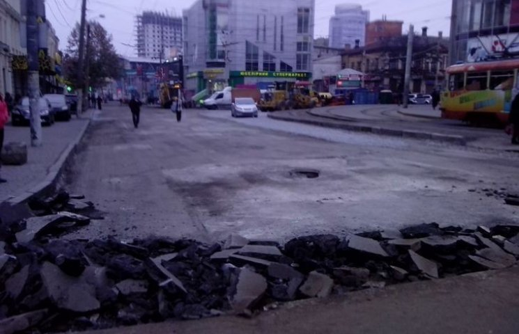 Скандальна фірма після неякісного ремонту доріг знову отримала бюджетні гроші