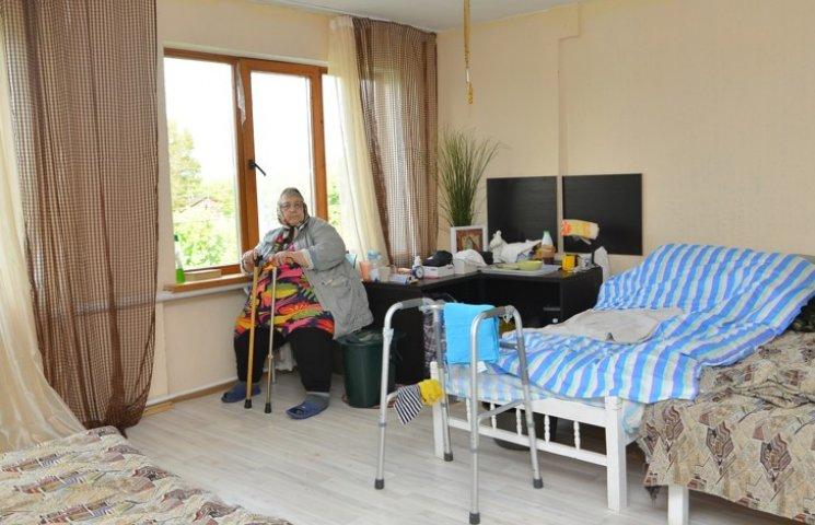 Пенсионеры Казахстана пойдут в детсад…