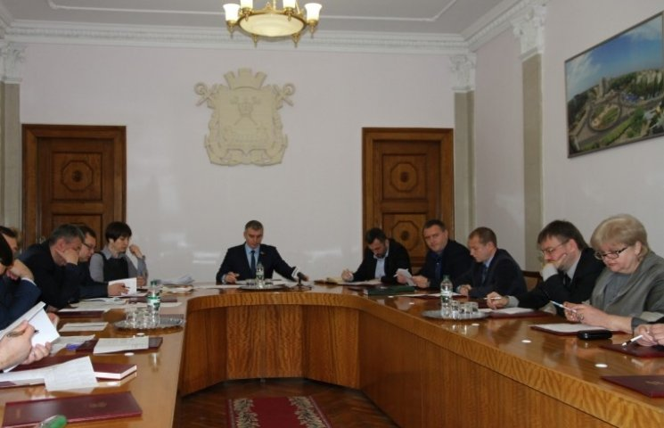 Миколаївська влада обіцяє провести конкурс перевізників до травня