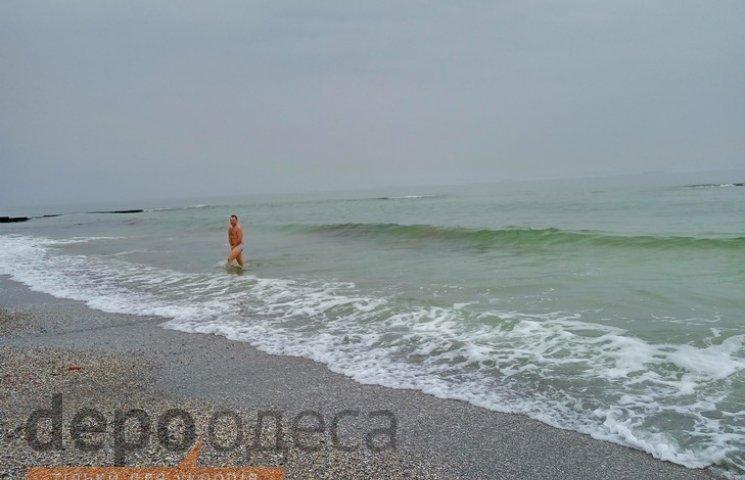 10 квітня одесити вже купалися в морі