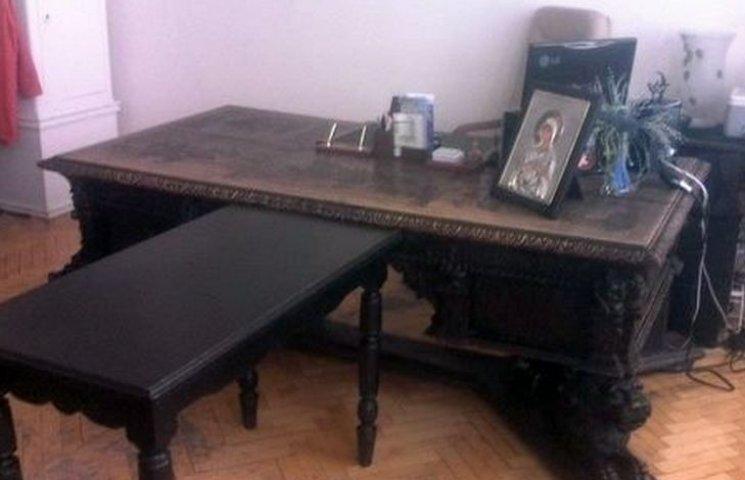"""У Вінниці хочуть розібрати стіну музею заради """"стола Петлюри"""""""