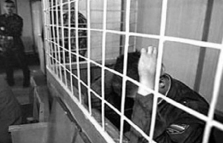 Суд відпустить банду поліцейських-грабіжників за 330 тисяч