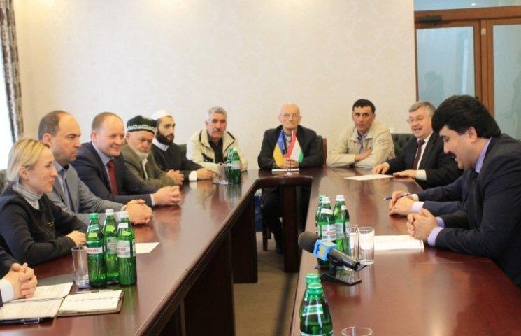 До Миколаєва з дипломатичніим візитом прибув посол Таджикістану