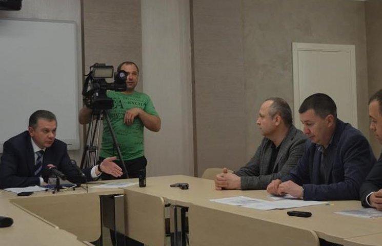 """Моргунов вмовив жителів """"Академічного"""" дати дозвіл на будівництво нового кладовища"""