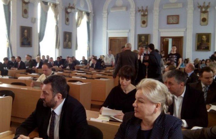 """У Миколаєві депутати вирішили не """"ламати місто через коліно"""" і затвердили бюджет"""