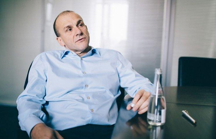 За что Путин наказывает Григоришина пропиской в Украине