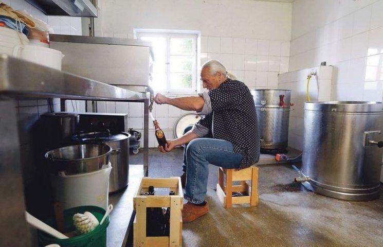 Як німці-пенсіонери вчать українців робити бізнес