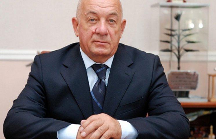 """Зачем Ахметову бывший """"ДОСААФ"""""""