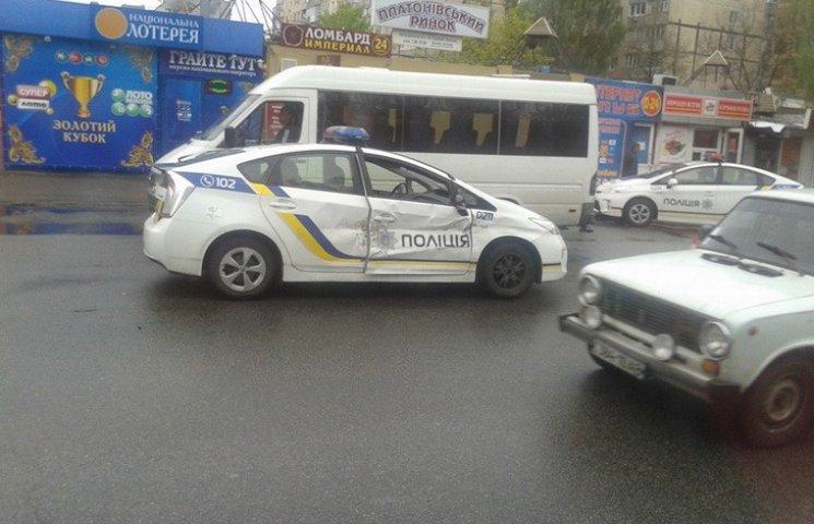 У Дніпропетровську автівка патрульної поліції потрапила в ДТП