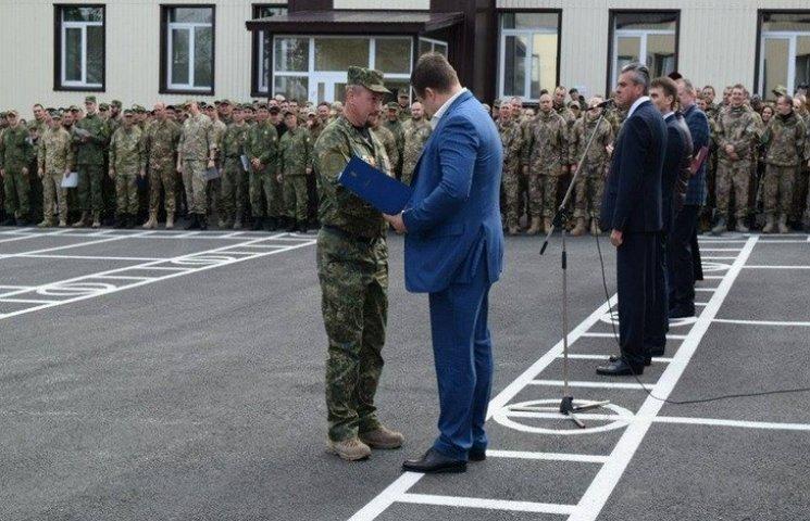 Філатов розповів, як Дніпру-1 видавали зброю без документів
