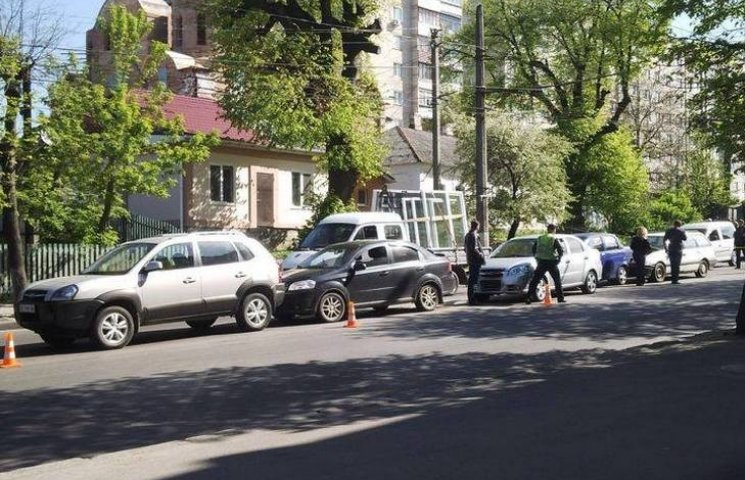 У Вінниці в аварію потрапили одразу 5 автівок