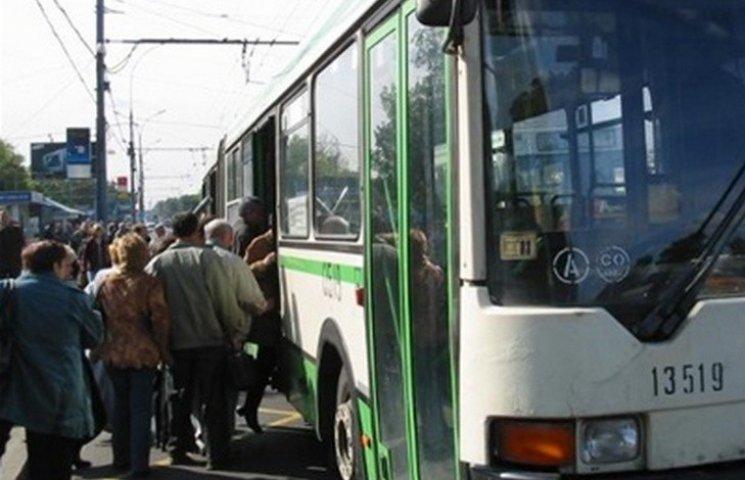 На проводи в Луку-Мелешківську вінничан возитимуть безкоштовно