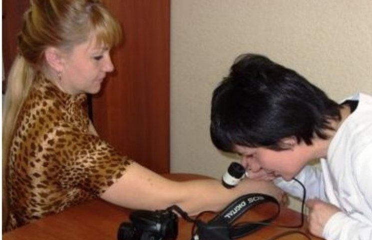 Миколаївців запрошують безкоштовно перевірити свої родимки на меланоми