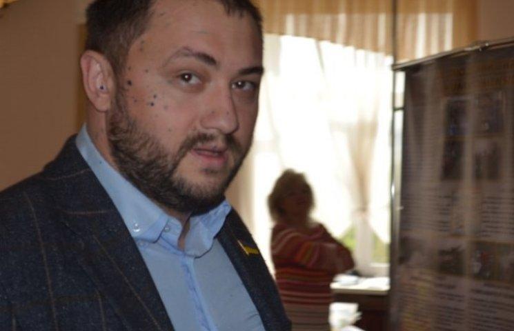 На сесії Миколаївської міськради прибічника партії Медведчука облили зеленкою