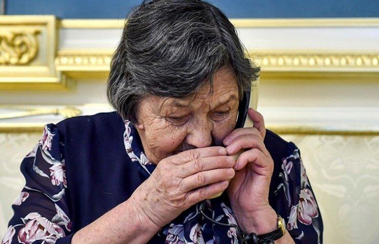 """""""Голубка моя"""": Как мать Савченко уговаривала дочь прекратить голодовку"""