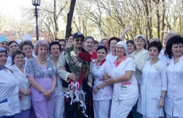 Лікарі цілу ніч боролися за життя Стаса Михайлова