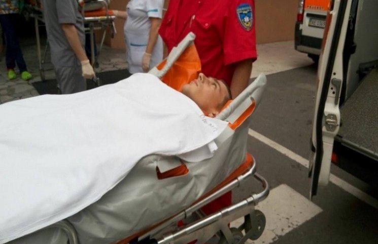 У Дніпропетровську врятували бійця з розірваною сонною артерією