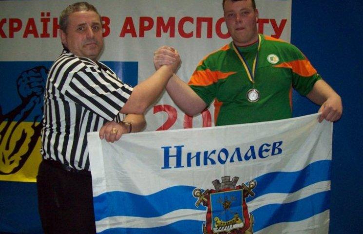 Миколаївський спортсмен став срібним призером чемпіонату України з армспорту