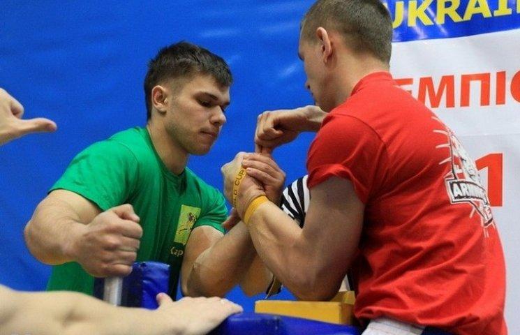 Вінницькі силачі можуть поїхати на чемпіонат Європи з армспорту