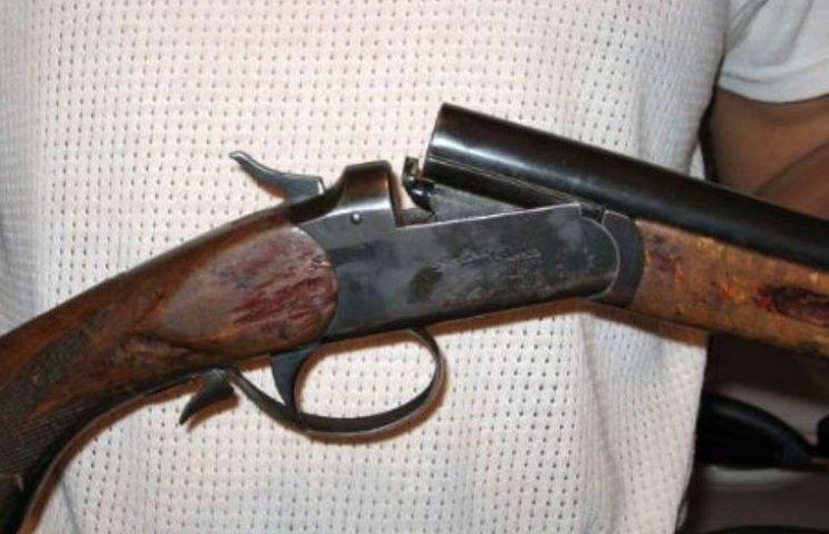 У Миколаєві 69-річний чоловік вистрілив собі в голову з рушниці