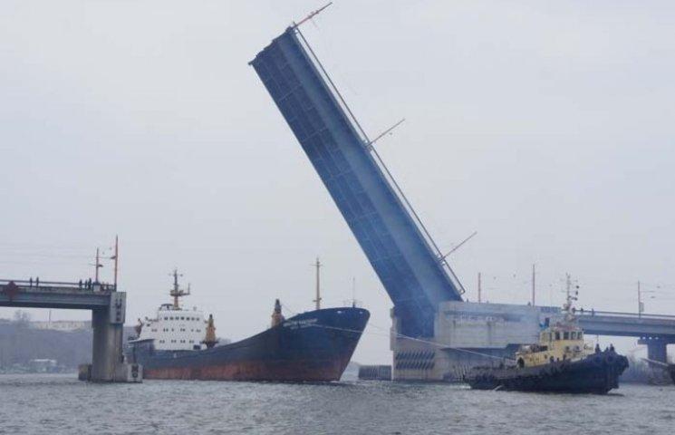У Миколаєві знов розведуть мости