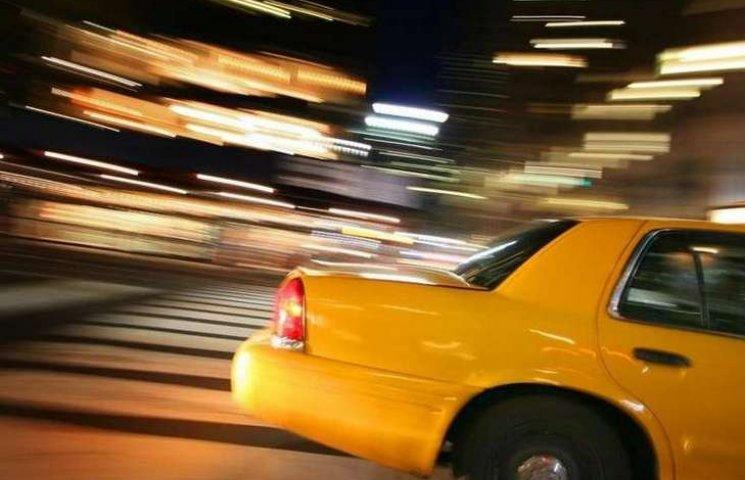 Вінницький суд зняв кайданки з таксиста, який зґвалтував свою пасажирку