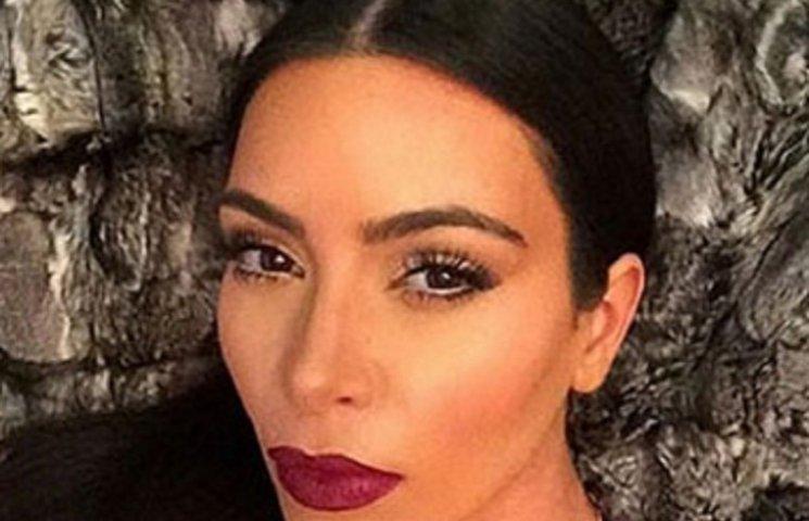 Ким Кардашян без макияжа показала, как просыпается утром