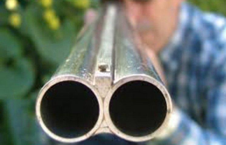 На Хмельниччині чоловік вистрелив дружині у голову з мисливської рушниці