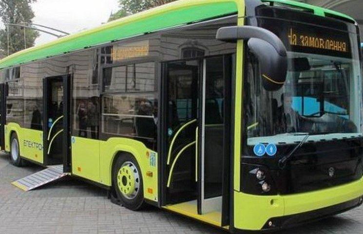 У Філатова заявили про запуск на Парус і Сокіл гібридних тролейбусів