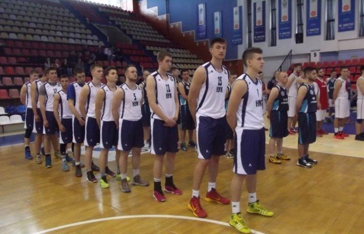 У Миколаєві стартували перші матчі студентської баскетбольної ліги України
