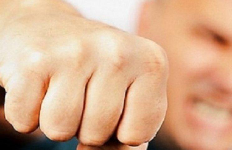 Миколаївська прокуратура розслідує бійку свого працівника