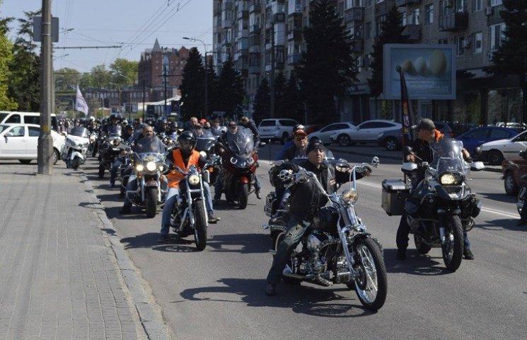 Першого травня Дніпропетровськом проїде колона байкерів