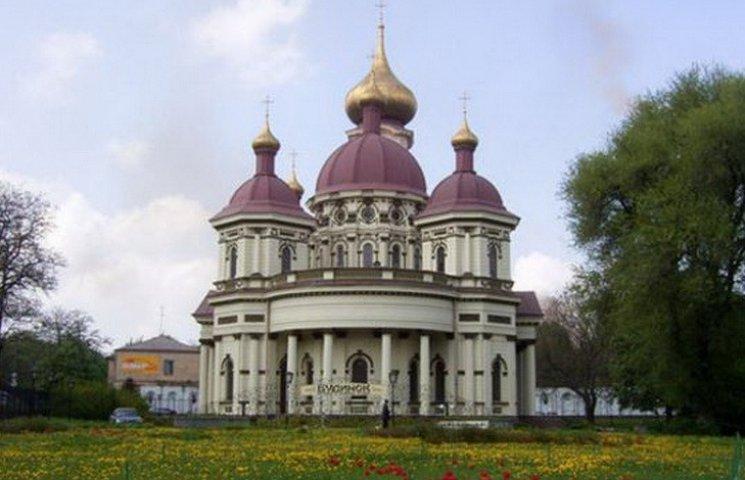 У Дніпропетровську на Великдень на проспекті Нігояна під свічки буде звучати орган