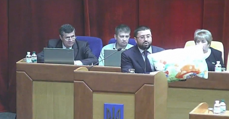 Депутат Запорожского облсовета пришел на…