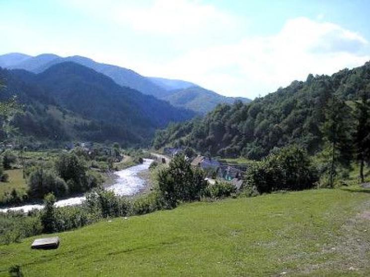 ТОП-5 місць Закарпаття, які варто відвідати під час травневих вихідних