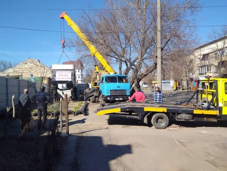У Миколаєві знесли черговий незаконний кіоск