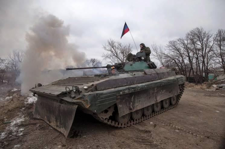 Вихідні на Донбасі. Бойовики пустили в хід бронетехніку (КАРТА)