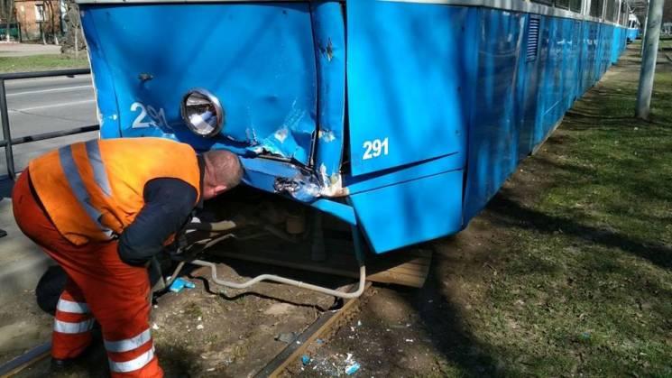 У Вінниці зіткнулися два трамваї (ФОТО)