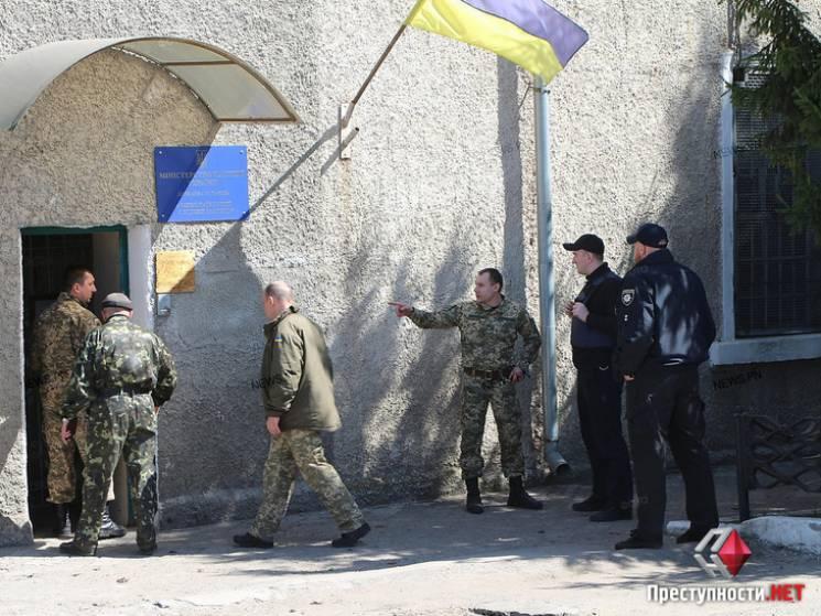 У Миколаєві затримані у слідчому ізоляторі влаштували бунт (ФОТО)