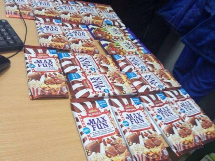 "Найсолодший злочин: Сумчанин намагався ""винести"" з супермаркету 18 плиток шоколаду"