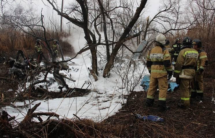 На России на улицу упал вертолет: Есть п…