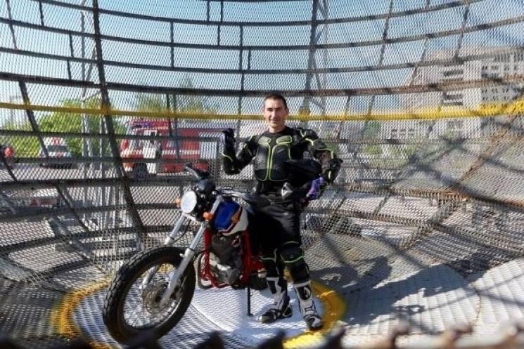 Мешканець Кривого Рогу встановив світовий рекорд на мотоциклі