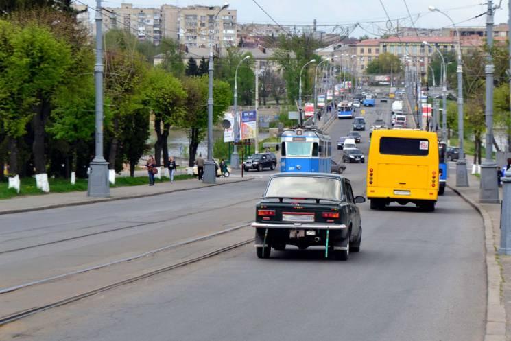 Поліція нагадує автомобілістам про перекриття вулиць у Вінниці