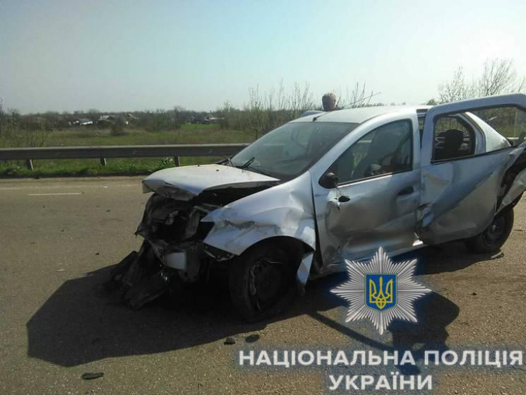 На трасі Київ - Одеса сталася трагічна ДТП: Загинула дитина (ФОТО)
