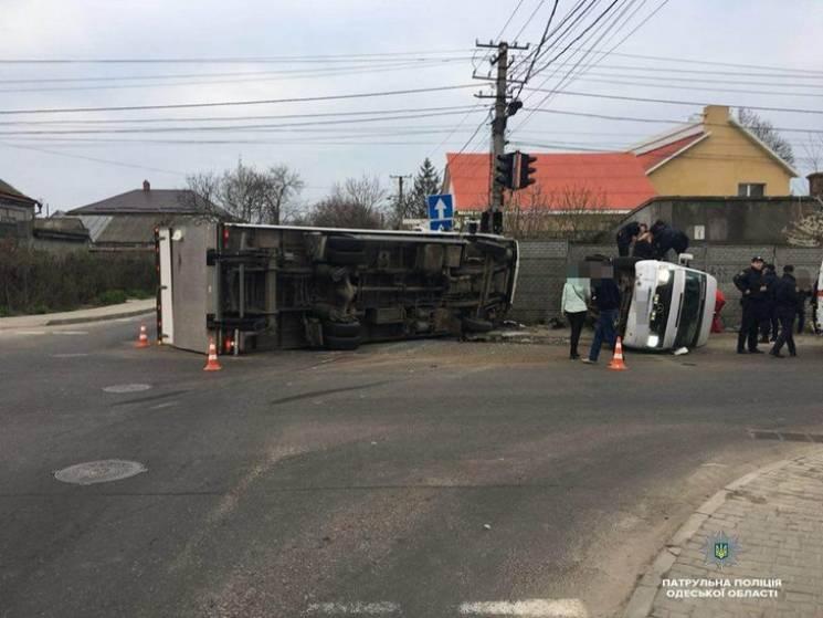 Масштабна ДТП в Одесі: Постраждали 11 людей (ВІДЕО)