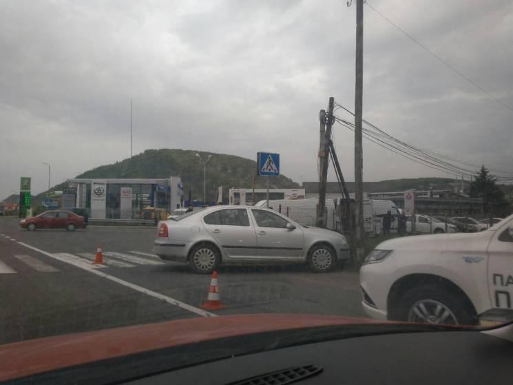 У Мукачеві біля пішохідного переходу сталася ДТП (ФОТО)