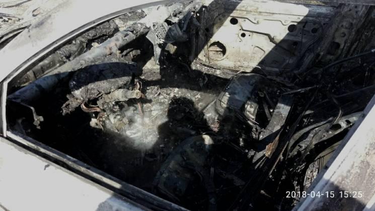 У Запорізькій області вщент згоріли дві автівки (ФОТО)