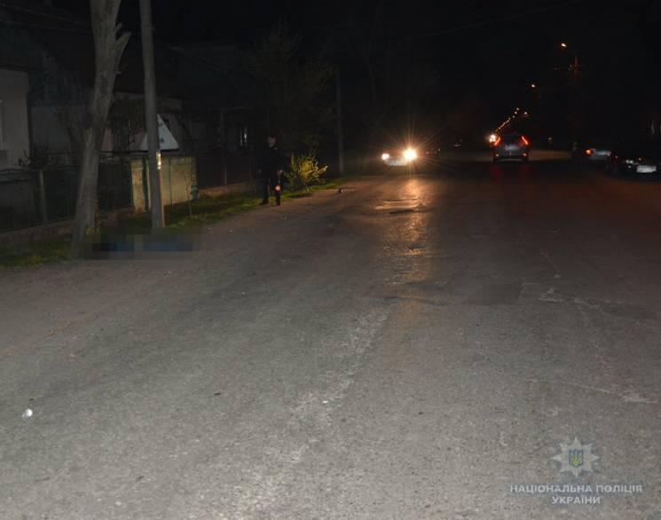 На Тячівщині водій на автівці збив насмерть молодого чоловіка і втік (ФОТО)